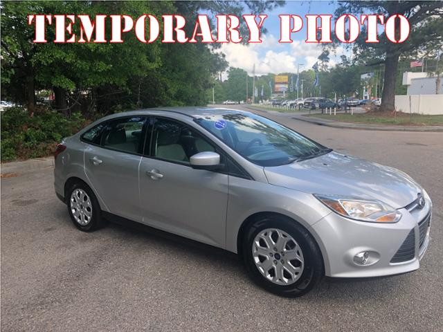 Pre-Owned 2012 Ford Focus 4dr Sdn SE