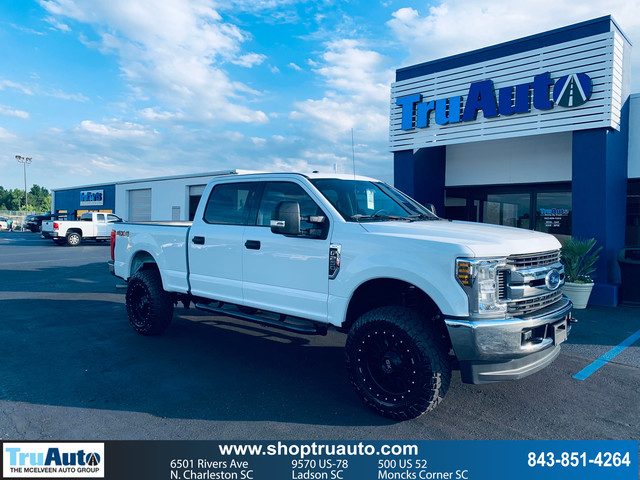 Pre-Owned 2019 Ford Super Duty F-250 SRW LARIAT 4WD Crew Cab 8' Box