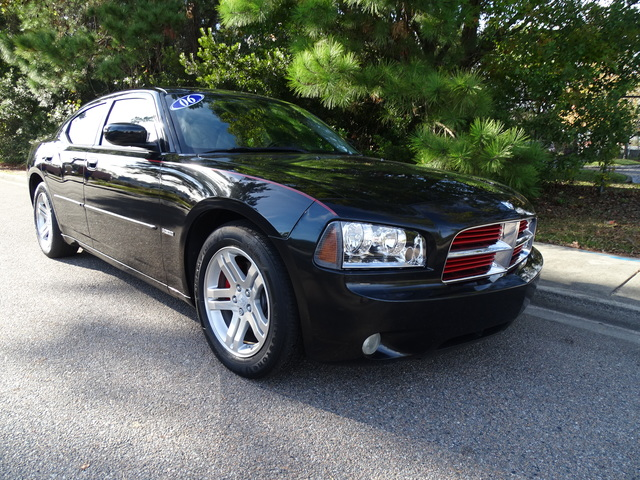 Pre-Owned 2006 Dodge Charger 4dr Sdn R/T RWD
