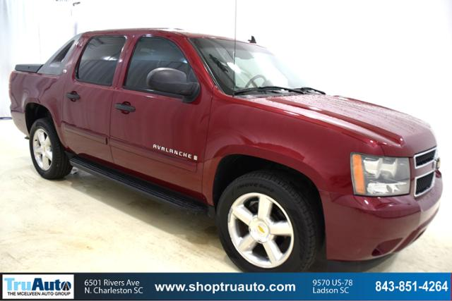 Pre-Owned 2007 Chevrolet Avalanche 4WD Crew Cab 130 LS