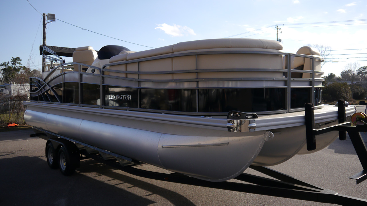 New 2018 Lexington 627E 27ft Pontoon