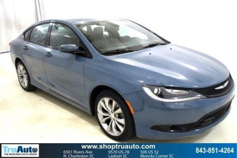 Pre-Owned 2015 Chrysler 200 4dr Sdn S FWD