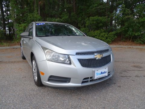 Pre-Owned 2013 Chevrolet Cruze 4dr Sdn Man LS