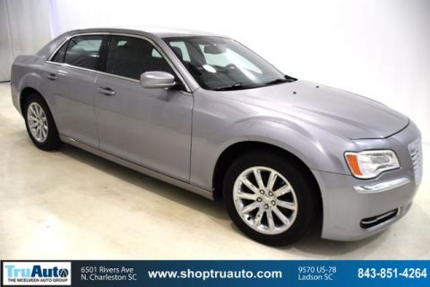 Pre-Owned 2014 Chrysler 300 4dr Sdn RWD