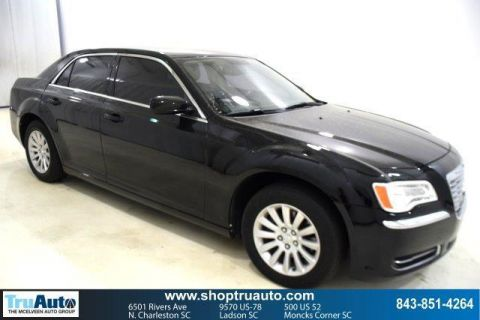Pre-Owned 2012 Chrysler 300 4dr Sdn V6 RWD